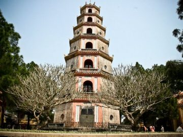 Thien Mu Pagoda hoi an to hue day trip